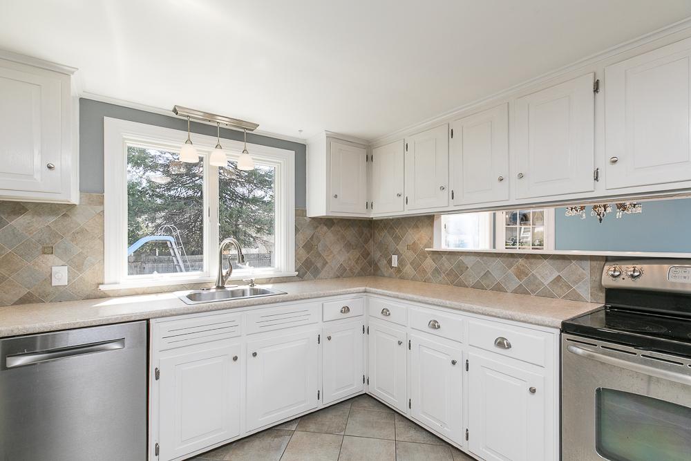Kitchen 9 Crescent Road Hamilton, Massachusetts