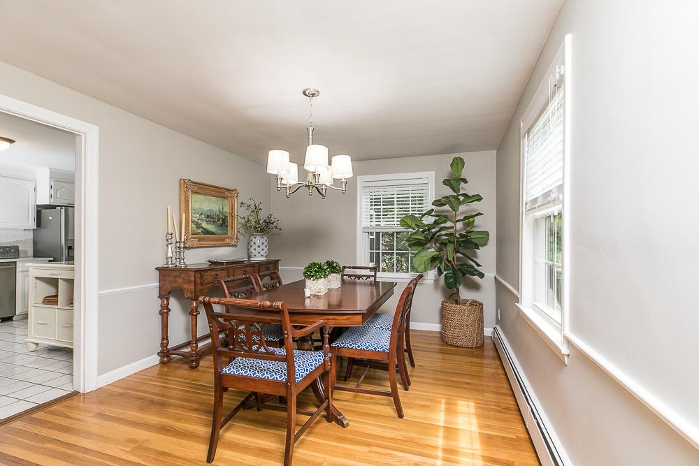 Dining Room 300 Essex Street Hamilton Massachusetts