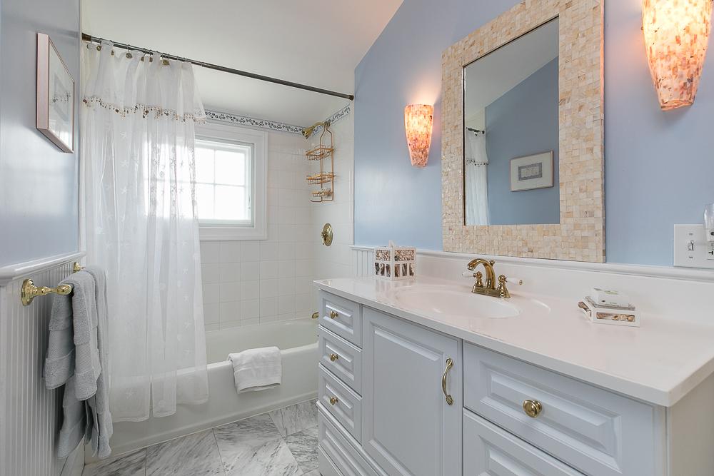 Bathroom 1 Main Street Rockport Massachusetts