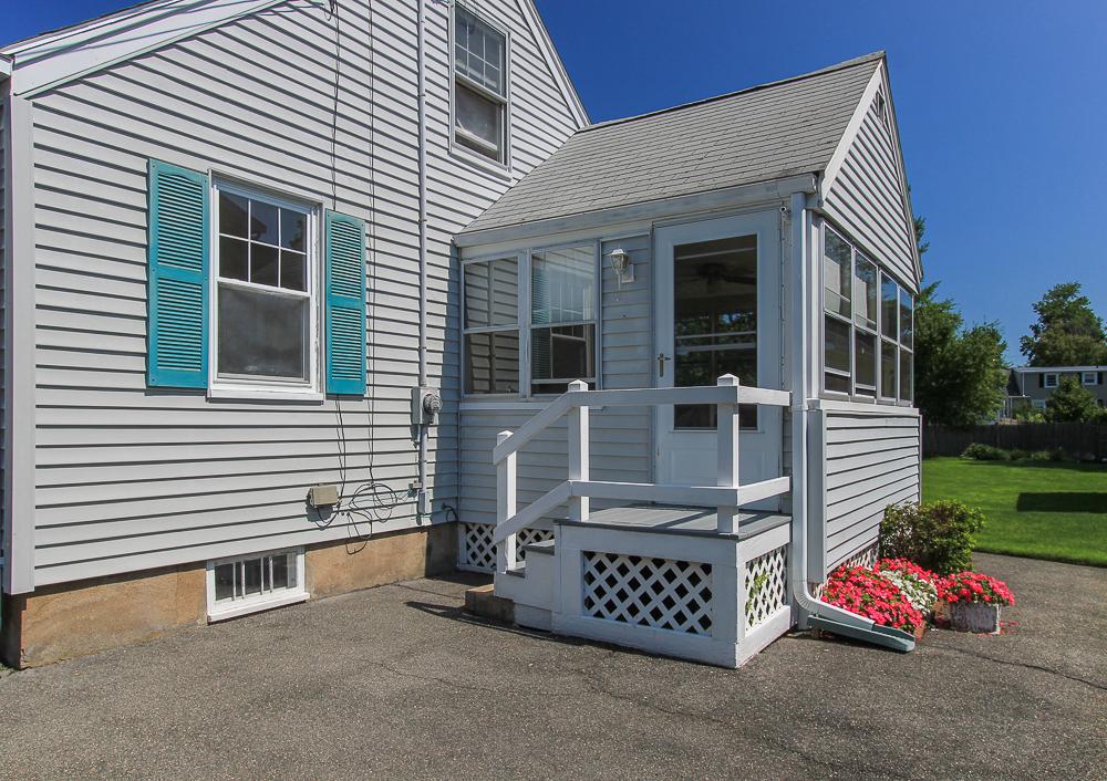 Side Entrance 10 Parramatta Road Beverly Massachusetts