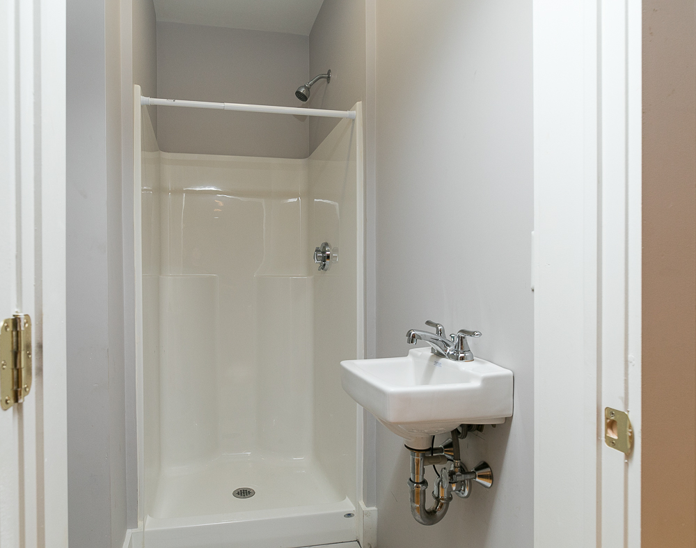Bathroom 59 Grover Street Beverly Massachusetts