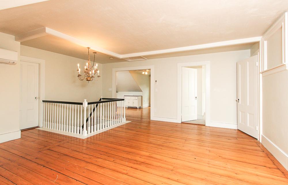 Living Room 589 Bay Road Hamilton, MA